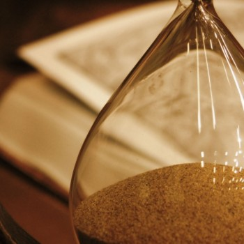 hourglass_glass_book_63296_1440x900